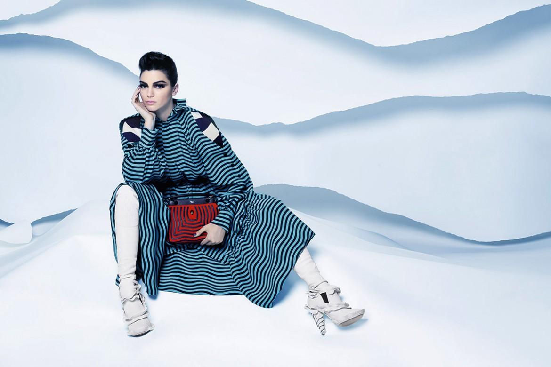 7343a7c78daee Bu kış kıyafet seçimlerinde biraz daha özenli davranmaya, sıradışı ve ilgi  çekici görünmeye hazır mısınız?