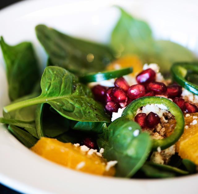 Narlı Keçi Peynirli Roka Salatası