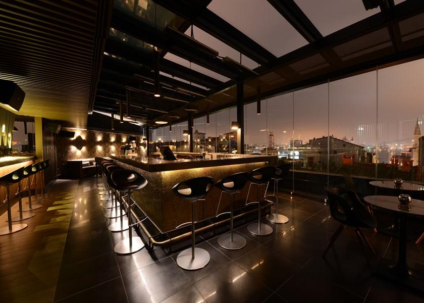 Rudolf sky terrace_840x600