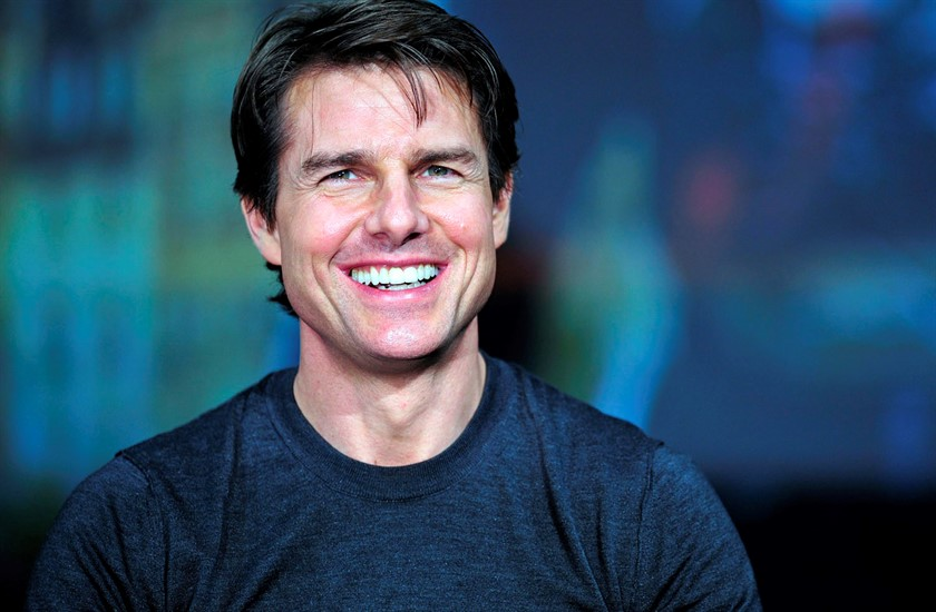 epa04285010 US actor and cast member Tom Cruise smiles during a press conference promoting his latest movie  Edge of Tomorrow  in Tokyo, Japan, 27 June 2014. Edge of Tomorrow will be screened across Japan from 04 July. The movie is based on the science fiction novel  All You Need Is Kill  by Japanese writer Hiroshi Sakurazaka. EPA/FRANCK ROBICHON