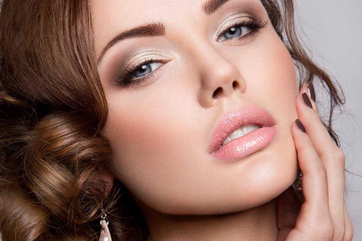 Красивый неброский макияж