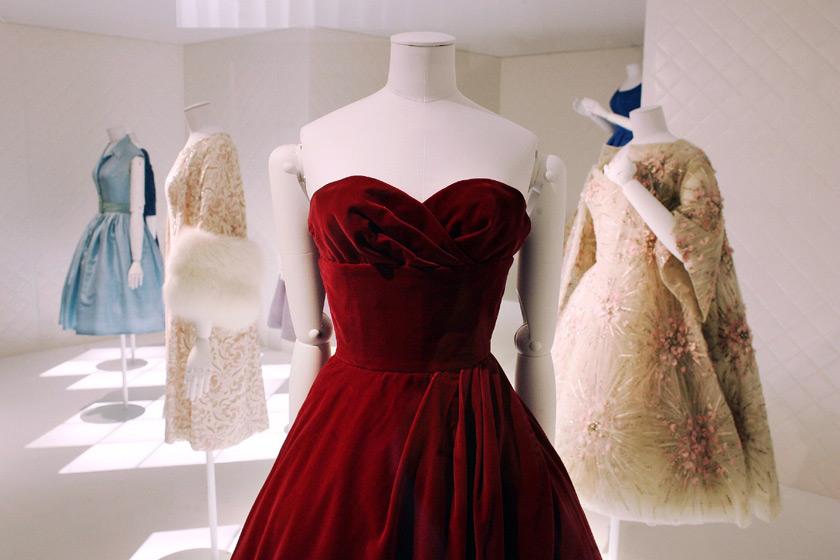 Dalida: Sa Garde-Robe de la Ville a la Scene - Paris