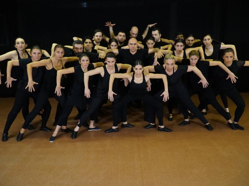 yolcu dans tiyatrosu